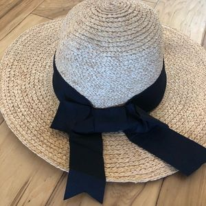 NWOT! Jeanne Simmons Straw Floppy Hat